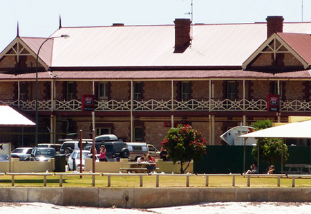 Tumby Bay Hotel And Seafront Apartments