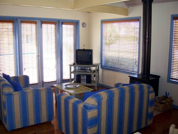 Rayville Boat Houses - Accommodation Kalgoorlie