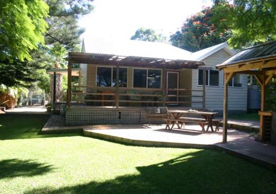 Pine Cottage - Accommodation Kalgoorlie