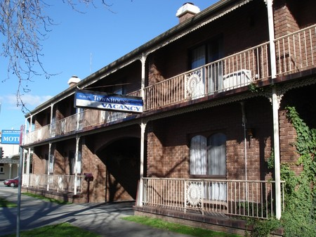 Albury Townhouse - Accommodation Kalgoorlie