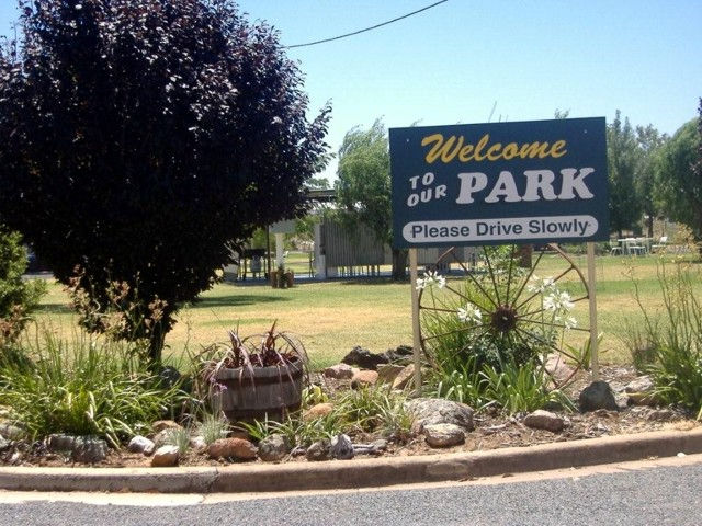 Country Club Caravan Park - Accommodation Kalgoorlie