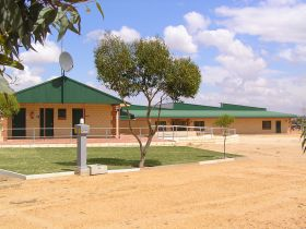 Tressies Museum and Caravan Park - Accommodation Kalgoorlie