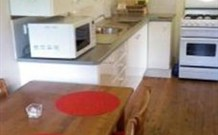 Berrara Beach Kangaroo Cabin - Accommodation Kalgoorlie