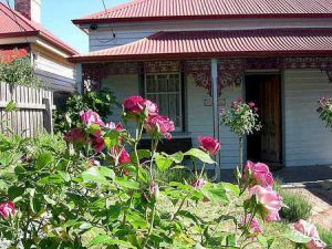 Airleigh - Rose Cottage - Accommodation Kalgoorlie