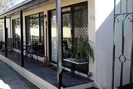 Courtside Cottage Bed and Breakfast - Accommodation Kalgoorlie