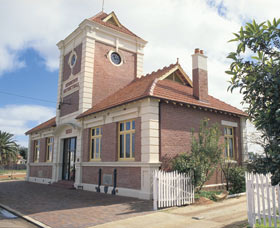 Merredin Town Hall - Accommodation Kalgoorlie