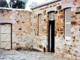 Police Lockup And Stables - Accommodation Kalgoorlie