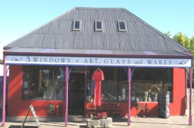 3 Windows Gallery - Accommodation Kalgoorlie