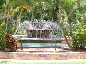 Bauer and Wiles Memorial Fountain - Accommodation Kalgoorlie
