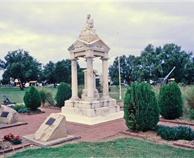 Weeping Mother Memorial - Accommodation Kalgoorlie