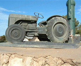 Ferguson Tractor Monument - Accommodation Kalgoorlie
