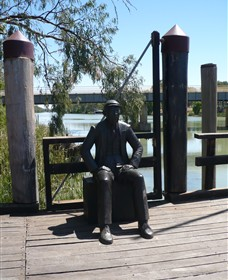 Captain John Egge Statue - Accommodation Kalgoorlie