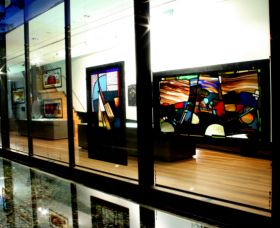 National Art Glass Collection - Accommodation Kalgoorlie
