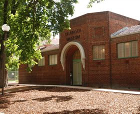 Grainger Museum - Accommodation Kalgoorlie