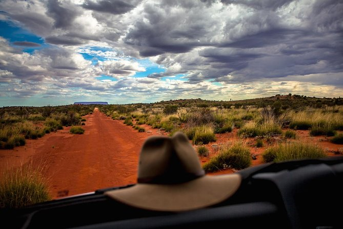 Mount Conner 4WD Small Group Tour from Ayers Rock including 3-Course Dinner - Accommodation Kalgoorlie