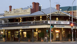Coopers Alehouse at the Earl - Accommodation Kalgoorlie