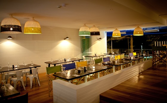 Deck Bar and Dining - Accommodation Kalgoorlie