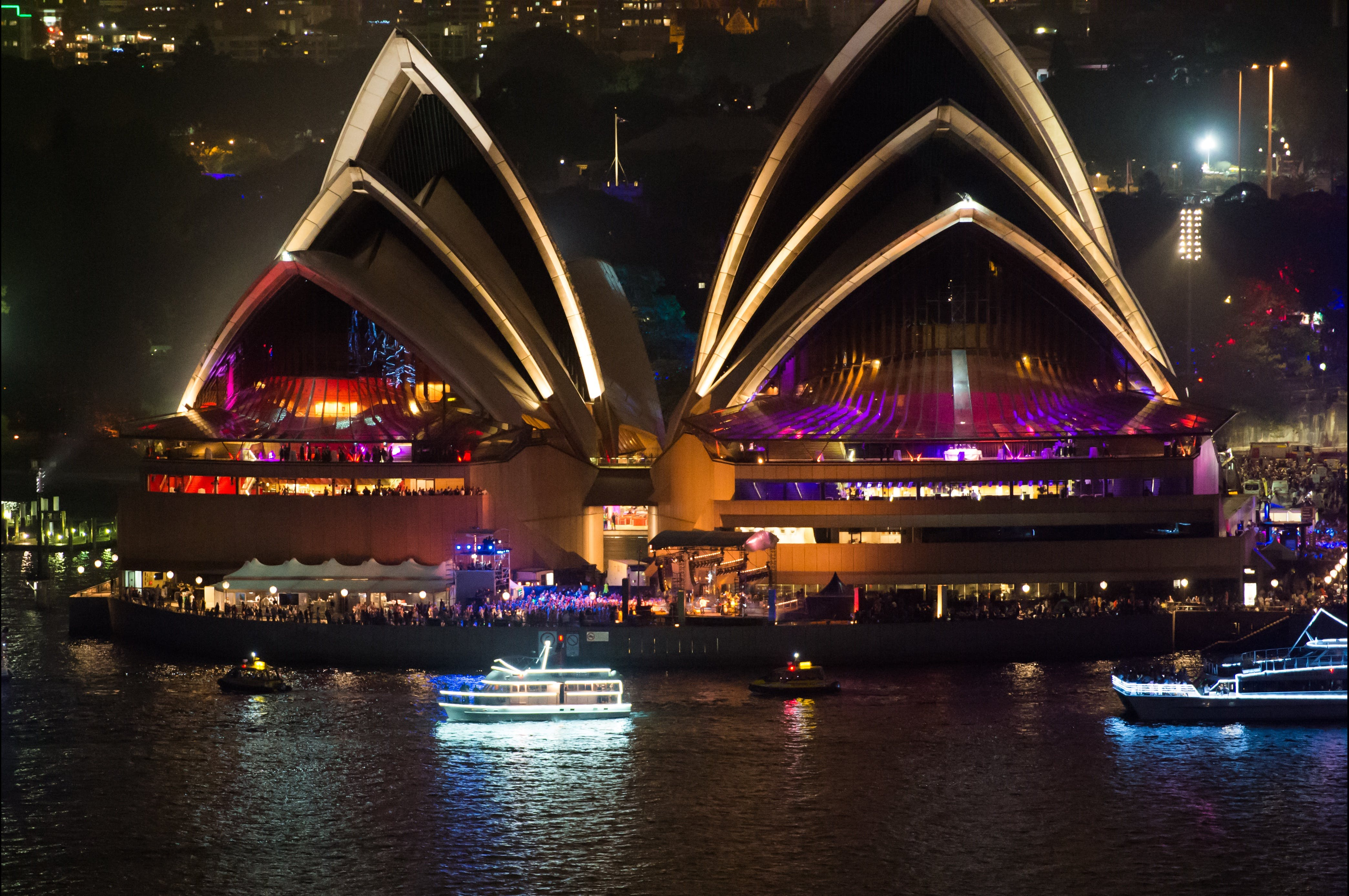 Exclusive New Years Eve Cruise on  Silver Spirit - Accommodation Kalgoorlie