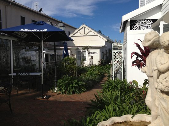 House of Gabriel - Accommodation Kalgoorlie