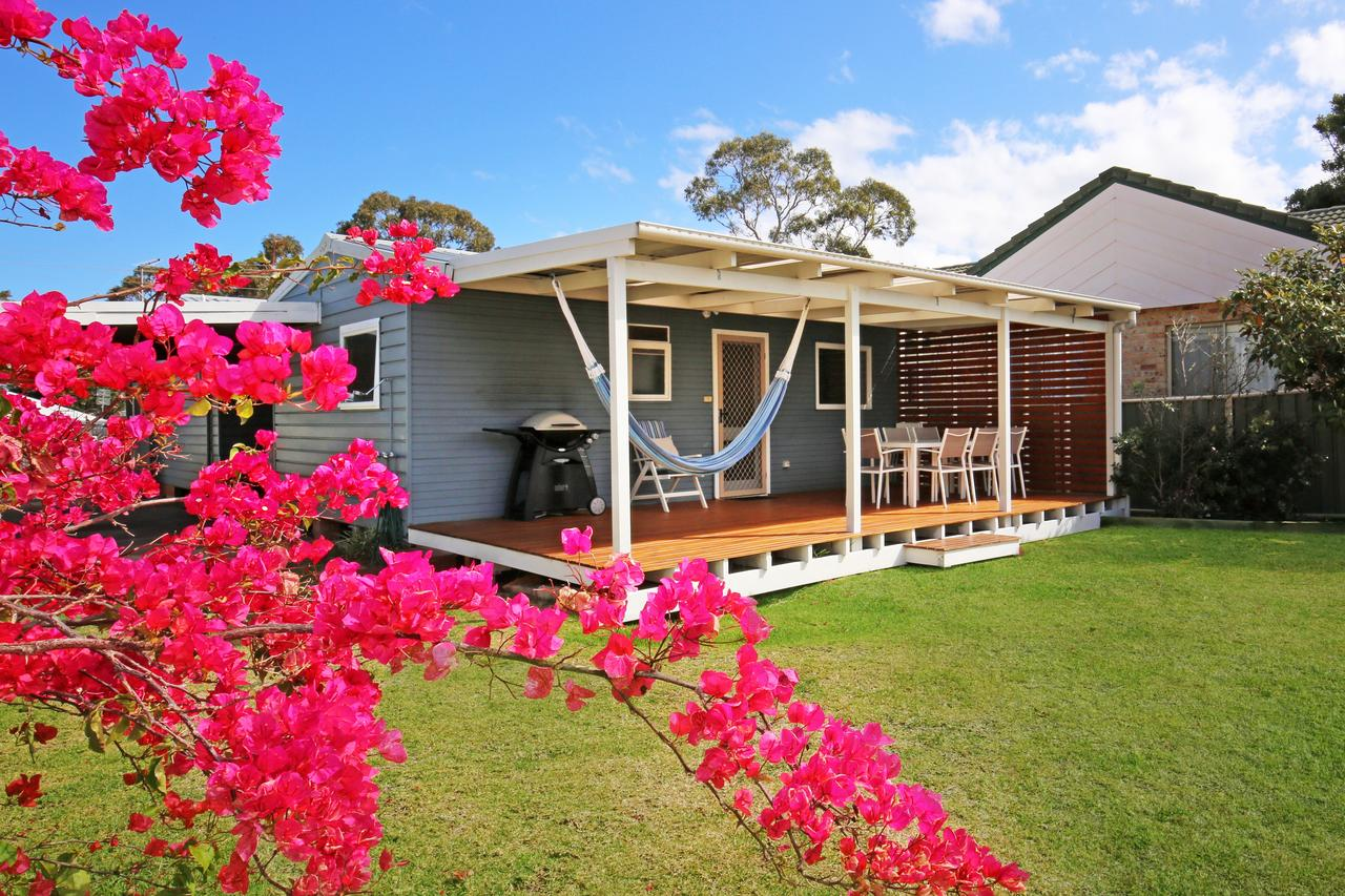 Hayes Beach House - Jervis Bay - Pet Friendly - Accommodation Kalgoorlie
