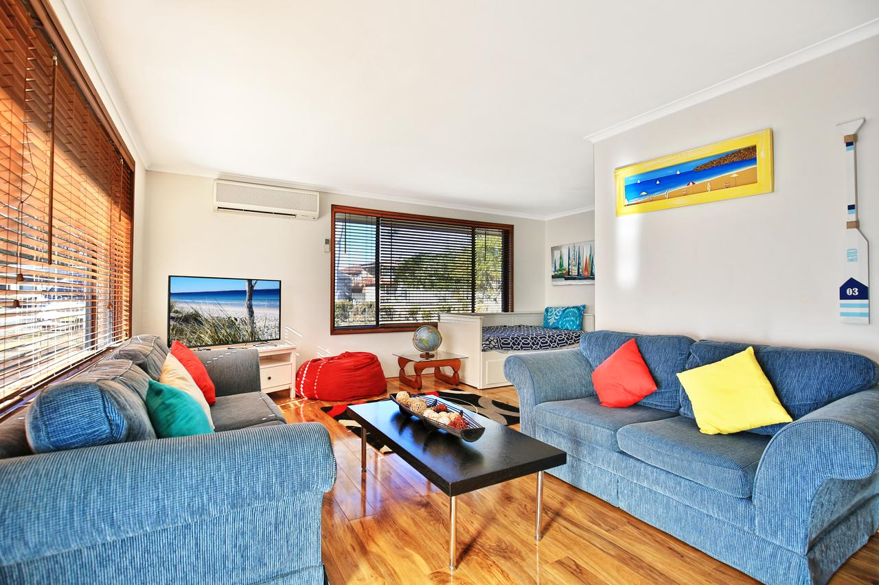 Sandy Toes Beach House Jervis Bay - 2min to Beach - Accommodation Kalgoorlie